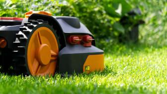 Når du vælger robotplæneklipper, er det vigtigt at tage højde for din haves størrelse og terræn.