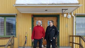 Raymond Wassara, underentreprenör till Riksbyggen och  Anders Salomonsson, fastighetstekniker på Riksbyggen.