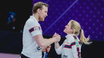 Kristin Skaslien og Magnus Nedregotten vant Mixed Doubles Bern. Foto: World Curling Federation