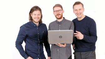 Fr. vänster Tomas Jonsson och Jimmy Heibert (Swace Digital, medgrundare), Patrick Sävström (VD, innovatör), Fotograf Victor Ackerheim