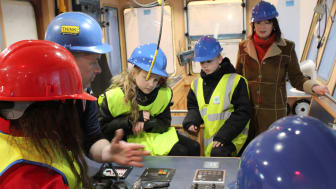 The bridge controls explained to Cluny Primary pupils #Selkie Tour