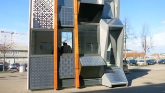 Die auf dem ZÜBLIN-Campus in Stuttgart ausgestellte Musterfassade zeigt, welche Möglichkeiten gebäudeintegrierte Photovoltaik heute bietet. (Copyright: Ed. Züblin AG)