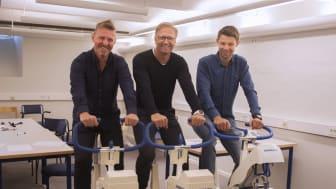 Sven Blomqvist, Mikael Westling Söderström och Emil Persson är glada över den nya certfieringen som stärker Högskolan i Gävles idrottsvetenskapliga utbildning. Foto: Anna Sällberg/Högskolan i Gävle