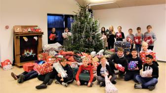 Greve Privatskole giver julegaver til udsatte børnefamilier