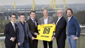 """Anpfiff für """"Versicherung09"""": ein vollwertiger Hausrat- und Haftpflichtschutz mit Zusatzleistungen für Fußballfans"""