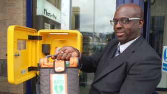 Defibrillators fitted at all Great Northern, Southern and Thameslink stations