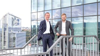 LANSERER SIGNATURAPP. (f.v.) Mads Myrvoll og Erik Kyllingstad i Sopra Steria står bak den nylanserte norske appen «Signicat Sign for ServiceNow». Foto: Sopra Steria