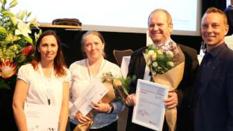 Årets Hållbarhetsförening är utsedd! Fr v Therese Berg, hållbarhetschef Riksbyggen, Anna Persson och Christian Hansen från Brf Pyramidens styrelse samt Christian Bengtzelius, föreningschef på Riksbyggen.