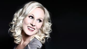 Lena Nilsson tolkar Monica Zetterlund på ett fantastiskt fint och värdigt sätt.