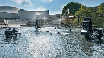 Theater Basel mit dem Fasnachtsbrunnen von Jean Tinguely © Basel Tourismus