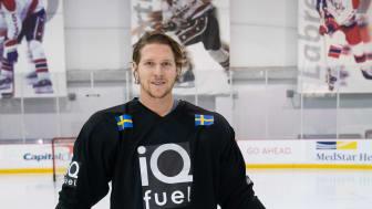 NHL-spelaren Nicklas Bäckström har i samarbete med iQ Fuel varit med och tagit fram en av smakerna för drycken HYDRATE.