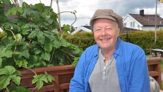 6 kjappe med energismarte boligeiere: Bilberg lader bil med sol