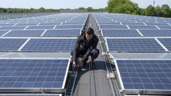 Solar Polaris har installeret over 400 professionelle solcelleanlæg; her på Hørsholm Idrætspark.