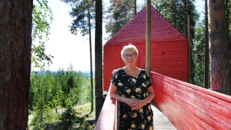 Britta Jonsson-Lindvall, grundare Treehotel, har utvecklat en ny YH-utbildning inom turism.