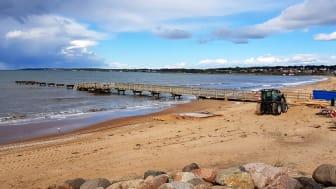Förberedelser pågår på stranden vid Klitterhus inför byggstarten nästa vecka.