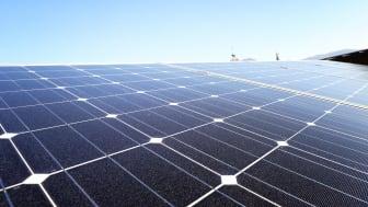 Photovoltaik eignet sich auch für Ost- und West-Dächer