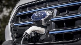 Ford E-Transit ajunge pe șoselele europene. Clienții de flote au început să testeze autoutilitara complet electrică Ford