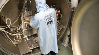 Den unika testanläggningen IRF SpaceLab i Kiruna avser hårdvara för rymdprojekt och är tillgänglig för externa parter. Nu presenteras anläggningen i en film och på en webbsida. Foto: Annelie Klint Nilsson, IRF