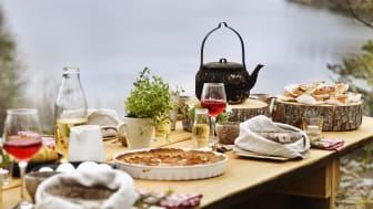 Foto: Gunta Podina. Konceptbild ett The Edible Country bord.