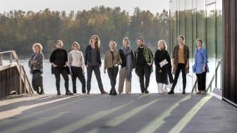 Från vänster: Sofia Rönnberg, Catharina Carlsson, Anna Lindwall, Camilla Caster, Helena Melehoff, Fanny Lindén, Denis Vilenica, Helena Byström, Sara Rylander, Barbro Renkel (Programansvarig)  Fotograf: Johan Gunséus