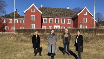 Fra venstre: Konservator ved Larvik Museum Aina Aske, Stortingsrepresentant Lene Westgaard-Halle, avdelingsdirektør for Kulturhistorie i Vestfoldmuseene, Arild Braa Norli, direktør for Vestfoldmuseene, Lene Walle.