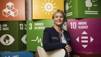"""Nej, det redder ikke verden med grønne rengøringsmidler. Men som virksomhed bør vi gå foran som det gode eksempel"""" siger Adm. direktør for Forenede Care A/S, Stine Louise Eising von Christierson."""