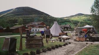 ODELSGUT OG FANTEFØLGE (2020, Stray Dog Productions, regi: Merethe Offerdal Tveit, lengde: 50 min, språk: norsk)