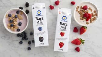 BARA A-fil kommer i två smaker, hallon&jordgubb och blåbär&björnbär. Båda är gjorda på 100 procent svensk mjölk.