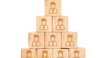 Der kommer flere og flere stillingsopslag på arbejdsmarkedet, men det er ikke ensbetydende med, at flere kommer i arbejde.