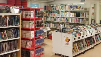 Frillesås bibliotek bokhyllor_foto Kia Andersson