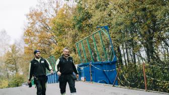 Adrian Björn och Conny Månsson jobbar på Renhållningens återvinningscentraler och har varit engagerade i förändringsarbetet.