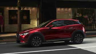 2018 Mazda CX-3 i den nya färgen Soul Red Crystal