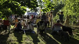 Konsert på Vita scenen i Stadsparken under Sommarlund 2019. Foto: Elias Theodorsson