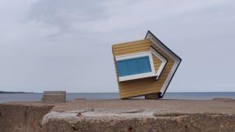Det som står av Sara Nielsen Bonde ingår i konstutställningen (X)sites Kattegattleden 2021