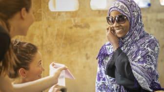 Solbriller hjelper mot grå stær - en av de vanligste årsakene til unødvendig blindhet i fattige land