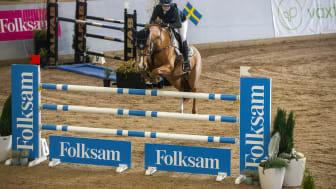 Äntligen dags för final i Folksam Elitallsvenska, landets högsta lagserie i hoppning. På söndag gör nio lag upp om SM-medaljerna. Foto: Roland Thunholm