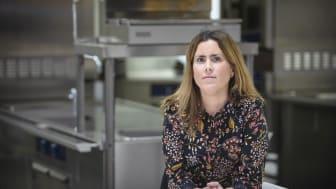 Maria Waling, prefekt för nyinrättade Institutionen för kost- och måltidsvetenskap vid Umeå universitet. Som forskare är hon inriktad på olika aspekter av barns och ungdomars matvanor. Foto: Mattias Pettersson