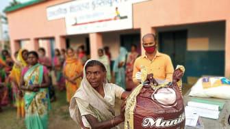 En stängd skola som används som distributionscentral, Indien.