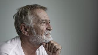 Minds Äldrelinje ska hjälpa isolerade äldre genom Coronakrisen