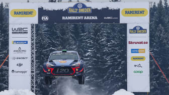 Rally Sweden är ett av sveriges största sportevenemang och 24-27 feb 2022 arrangeras tävlingen för första gången i Umeå. Foto: Pressbild Rally Sweden