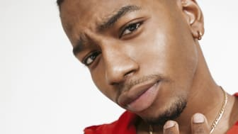 Hiphop-artisten Jireel avslutar hela Sommarlund på söndag 13 augusti kl. 19.30 på vita scenen i Stadsparken.