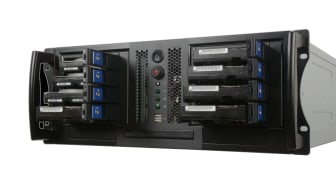 Server för radering av data från 8 diskar av typen SAS och SATA