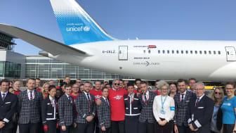 Norwegianin konsernijohtaja Bjørn Kjos ja yhtiön työntekijöitä lähdössä Jemeniin.