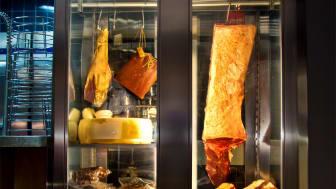 Mörningsskåpet på restaurang West Coast med kött från Svenska Gårdar