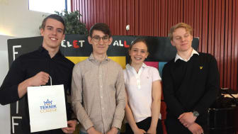 Rikard Johansson, Max Hellberg, Simon Svensson och Ellen Blennow från Alléskolan. Vinnare av Teknikvetenskapstävlingen 2019 med sin idé Fia i form.