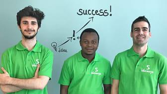 Från vänster: Yeray Garcia, Makame Makame och Mikael Ayani från Simumatik AB ser fram emot att delta på en av världens största mässor för industriell teknik.