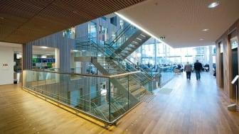 Schweigaards gate 21/23 sto klart i 2013, og var Norges første BREEAM-NOR Excellent kontorbygg. Foto Trond Joelson, Byggeindustrien.
