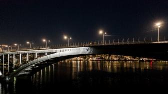 Ljussättning av Västerbron i Stockholm av Klätterservice AB