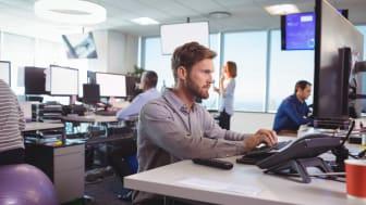 ¿Cuántos detectores son necesarios para medir la concentración de radón en el lugar de trabajo?