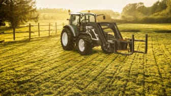 Dekkmann satser på landbruksdekk